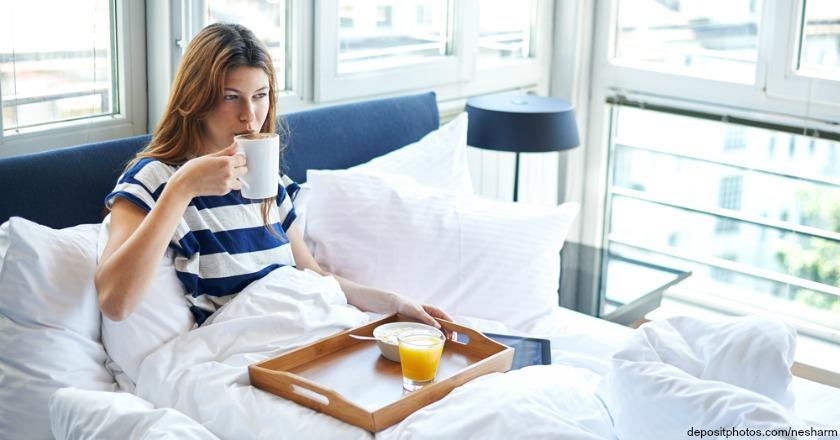 15 ungew hnliche dinge die sie im bett tun k nnen schlafstudio helm wien. Black Bedroom Furniture Sets. Home Design Ideas